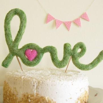 Caketopper Love en lana