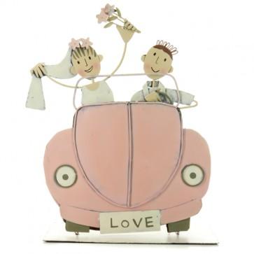 Novios en coche Love